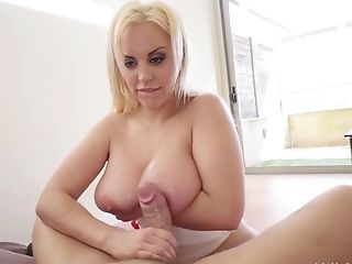 Hot Blondie Fesser gets her wet cunt plowed on the couch