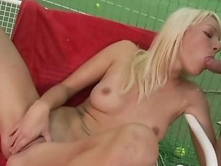Anal banging a pretty blonde on the court