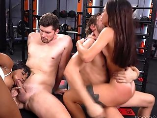 Black star Kiki Miraj takes part in crazy group sex