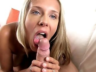 Gorgeous girls love to suck cock