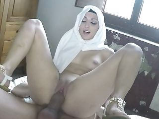 Arab slut gives head and rides long schlong
