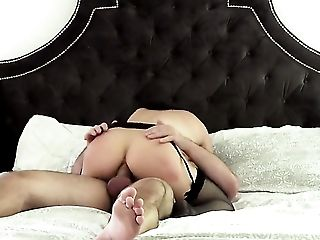 Breathtakingly beautiful porn girl Lea Lexis keeps her mouth wide open while giving throat job to Manuel Ferrara before ass fucking