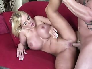 Everyone knows her as an insatiable woman and this curvy MILF fucks like mad