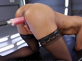 Nikki Darling Squirts Everywhere
