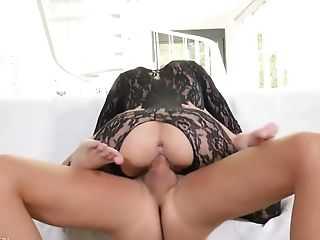 Dude fucks stretched anal hole of naughty Ukrainian hottie Veronika Clark