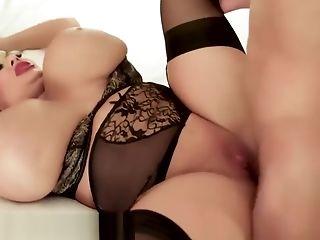Singer's anal performance