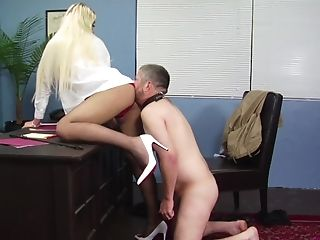 A really hot porn fetish at work for the dominant female boss