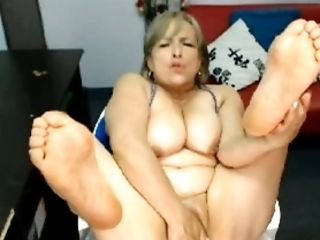 Colombian grey haired webcam mature nympho was masturbating her own slit
