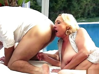 Fat old granny pays her pool guy with her mouth and wet snatch