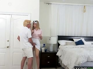 The tennis is over and svelte hottie Alexa Grace wanna be fucked missionary