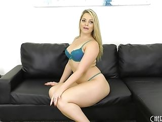 Alexis Texas is chubby sweetheart ready to have an orgasm